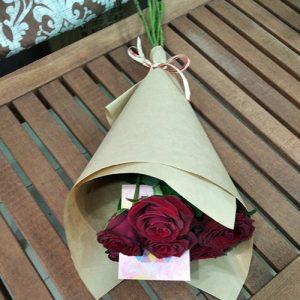 7 красных роз в Кропивницком фото