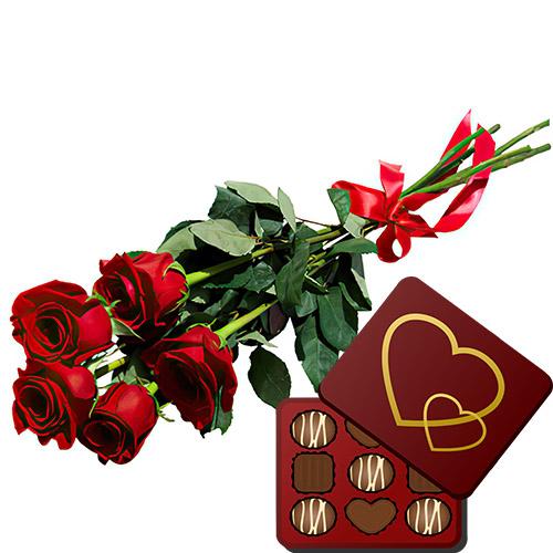 фото 5 красных роз с конфетами