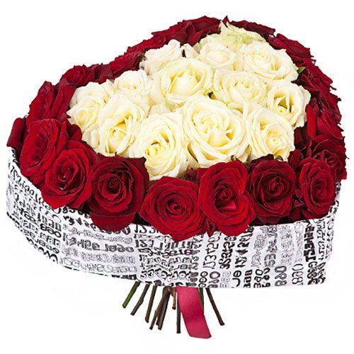 Фото товара 51 роза сердцем