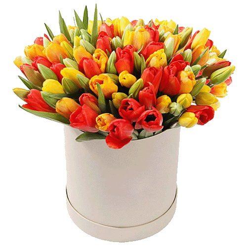 Фото товара 101 тюльпан в шляпной коробочке
