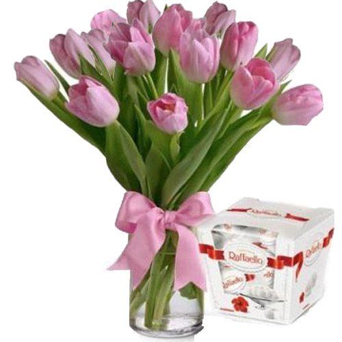 "Фото товара 15 тюльпанов и ""Raffaello"""