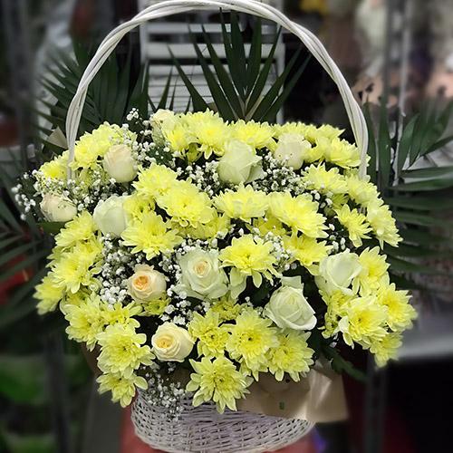 """Фото товара Корзина """"Жёлтые хризантемы и розы"""""""""""